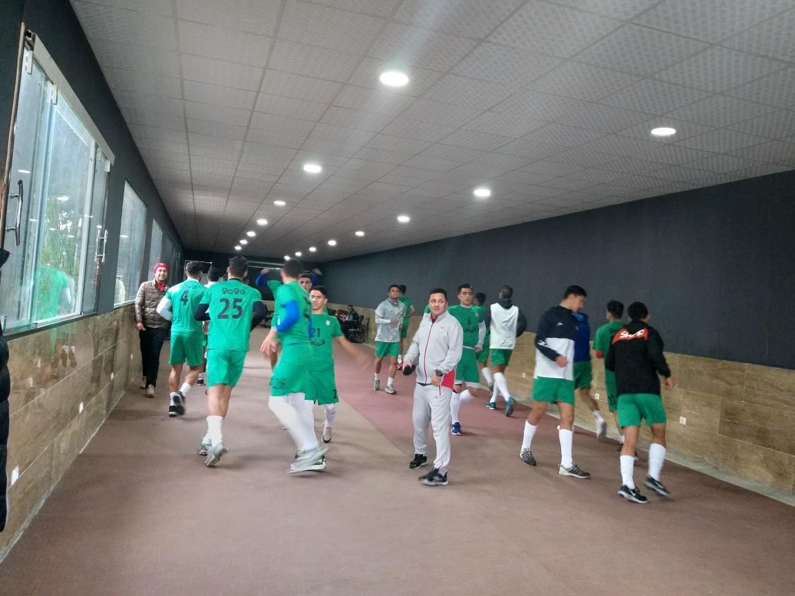 غیبت ۳ بازیکن در تمرینات سالنی تیم ملی فوتبال امید/ ملی پوشان عرق گیری کردند