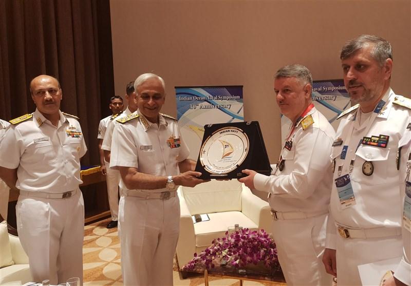 فرمانده نیروی دریایی با همتای هندی خود دیدار کرد