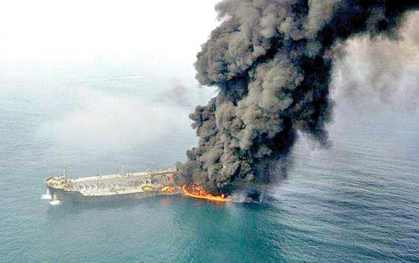 باشگاه خبرنگاران جوان سرنوشت خسارت نفتکش ایرانی را بررسی میکند؛ فرآیند پرداخت خسارت سانچی و مسیر پیچیده پیشرو