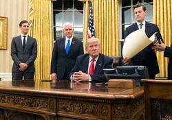 رویترز: کاخ سفید بار دیگر متلاطم شد