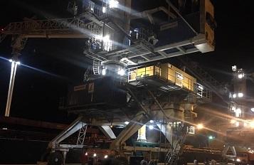 آغاز عملیات تخلیه بزرگترین کشتی در بندر چابهار/ اولین محموله ذرت وارد بندر شهید بهشتی شد