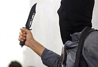 داعشی که به علتی عجیب پسر عمویش را مقابل دوربین کشت! +عکس