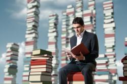 ما بیشتر کتاب میخوانیم یا آمریکاییها؟ + فیلم