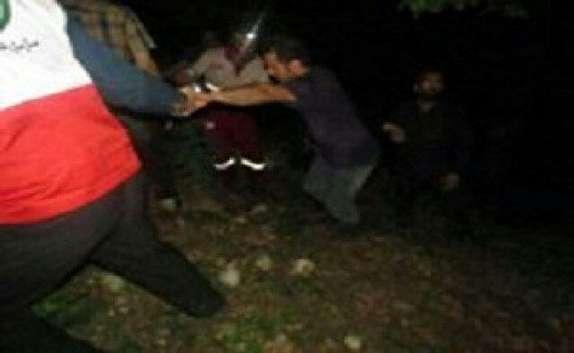 باشگاه خبرنگاران - نجات چهار نفر گرفتار در کولاک در آبگرم + تصاویر