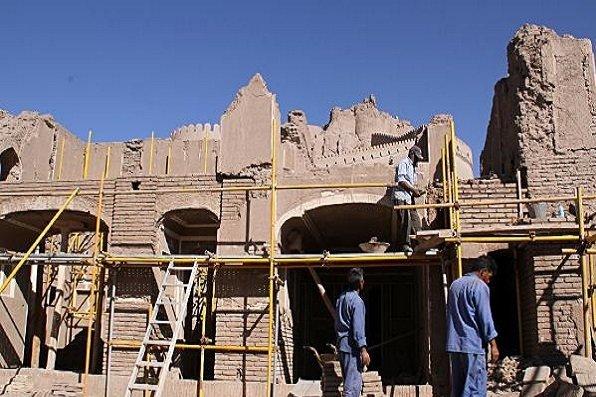 عملیات مرمت پروژه های تاریخی در ماهان و جوپار