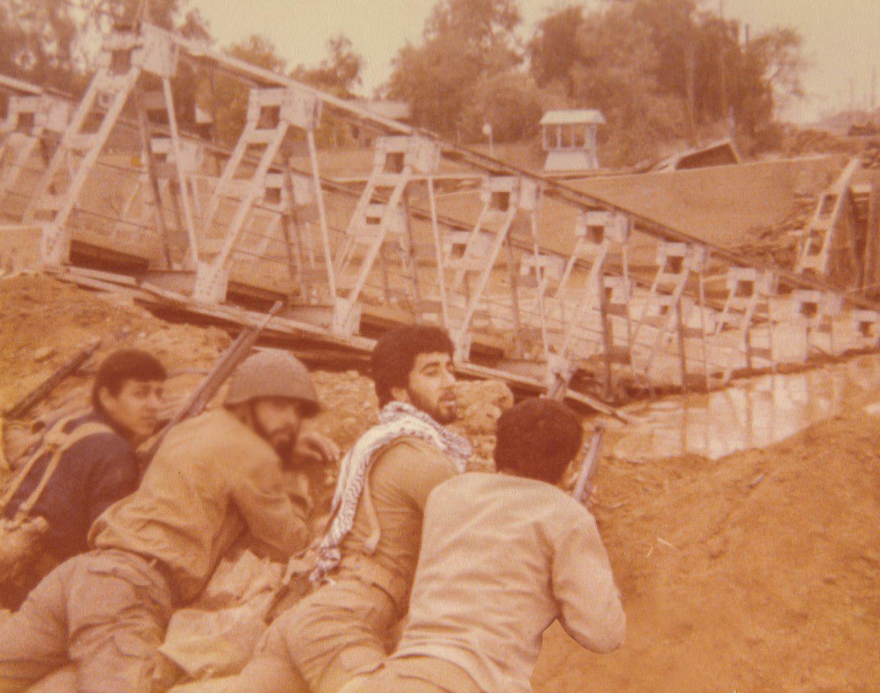 تصاویر دیده نشده از حضور حمید معصومی نژاد در عملیات آزادسازی سوسنگرد