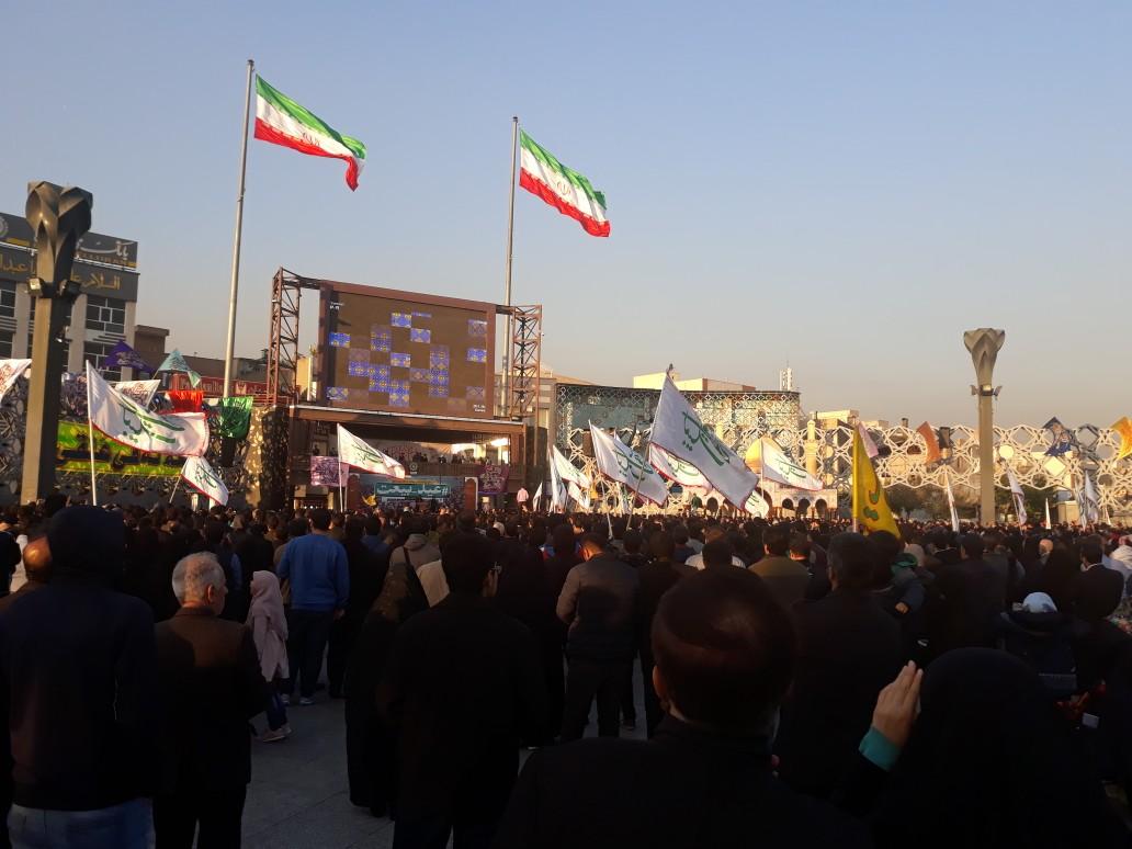 اجتماع بزرگ مردمی بیعت با امام زمان (عج) در میدان امام حسین(ع)/رائفی پور: اسرائیل توانایی مقابله با موشکهای ایرانی را ندارد