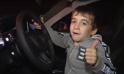پسربچه ۵ سالهای که صاحب یک مرسدس بنز سفید شد +فیلم