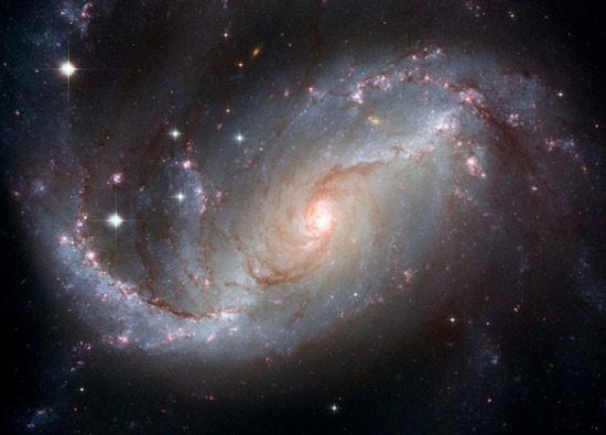 کهکشانی با بازوانی پر ستاره