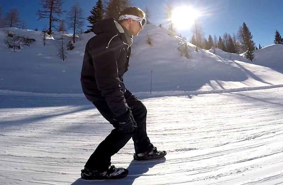 با این کفشها در برف اسکیت بازی کنید +فیلم