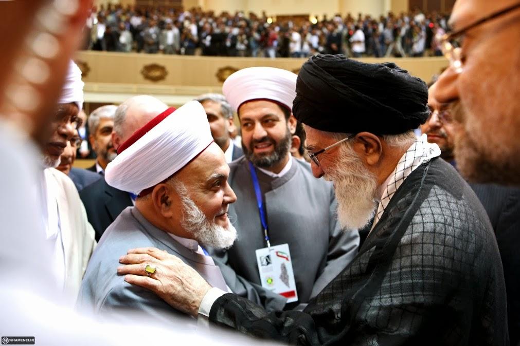 چند جمله برگزیده از بیانات حضرت آیتالله خامنهای درباره وحدت اسلامی