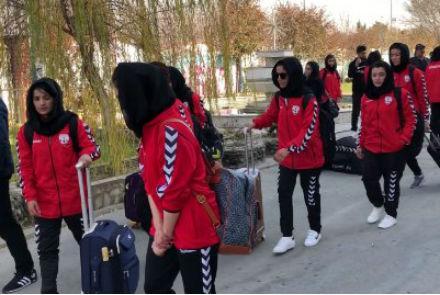 باشگاه خبرنگاران -اردوی زودهنگام حریف فوتبال بانوان کشورمان در ازبکستان