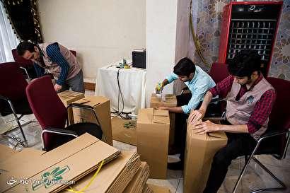 باشگاه خبرنگاران -بستهبندی ۲۱۰۰ سبد کالا برای توزیع در نیکشهر سیستان و بلوچستان
