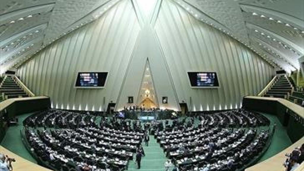 باشگاه خبرنگاران جوان گزارش میدهد/ جنجال در نشست امروز کمیسیون امنیت ملی/ چرا امیدیها از یک جاسوس در تیم مذاکرهکننده هستهای حمایت میکنند؟