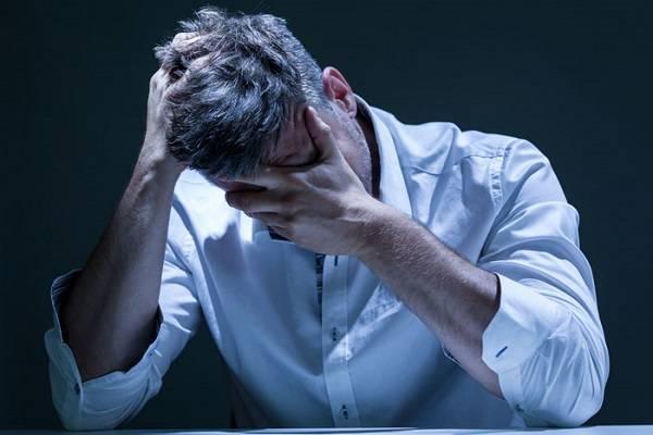 11 عادت رفتاری که به شما ثابت می کند دچار بیماری روحی پنهان هستید!