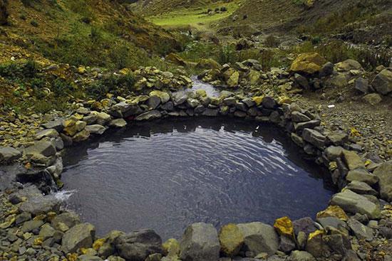 ۱۲ چشمه آب گرم در ایران که برای سلامتی شما معجزه میکنند! + تصاویر
