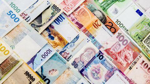 کاهش نرخ ۲۰ ارز بین بانکی در ۳ آبان ۹۷+ جدول