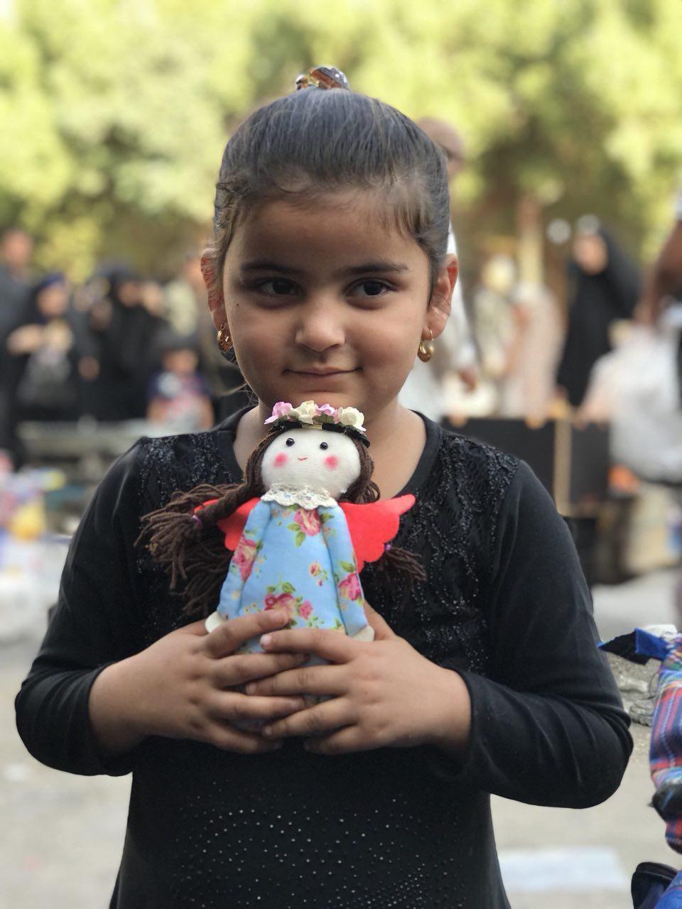 فرشته های دست ساز ایرانی برای کودکان عراقی/«وداد» سفیر محبت است