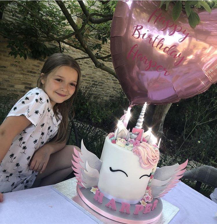 جشن تولد ساده فوتبالیست مشهور برای دخترش+ عکس