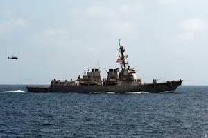 قایقهای تندروی ایرانی به کشتی حامل فرمانده آمریکایی نزدیک شدند