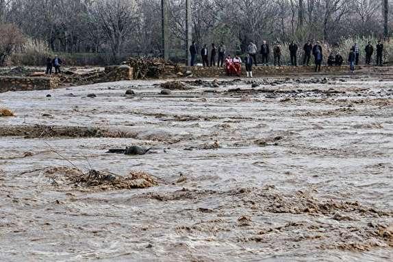 باشگاه خبرنگاران - 30 واحد مسکونی بر اثر وقوع سیل در پیرانشهر خسارت دیدند