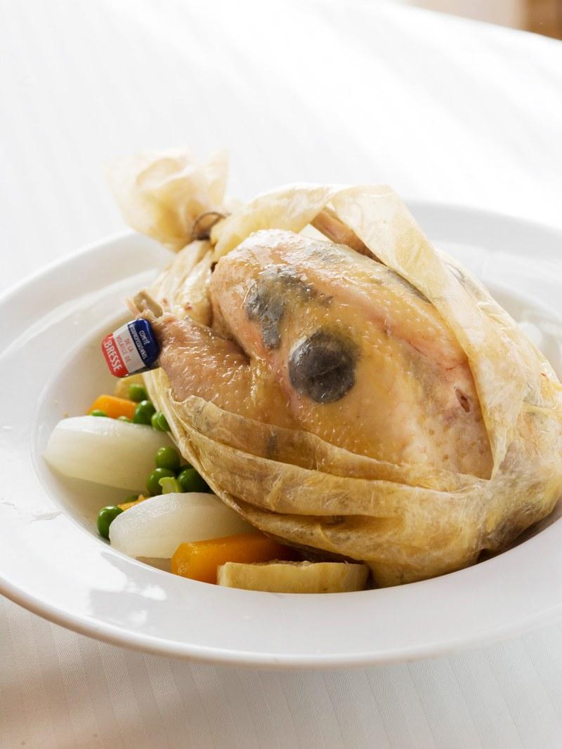 آداب عجیب فرانسوی ها در خوردن این غذا +تصویر