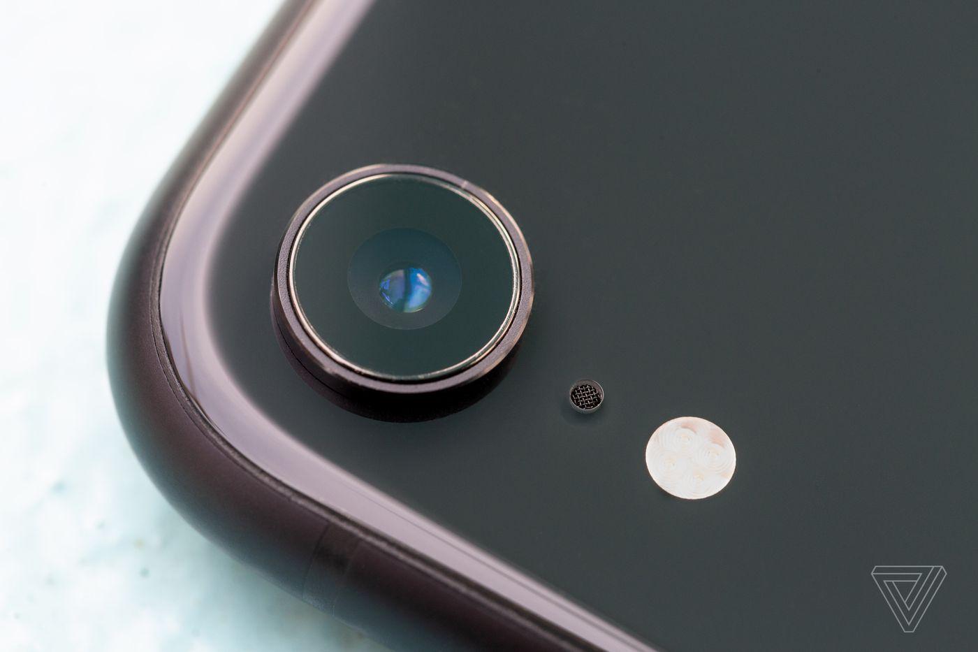 آیفون XR پرفروشترین گوشی شرکت اپل است