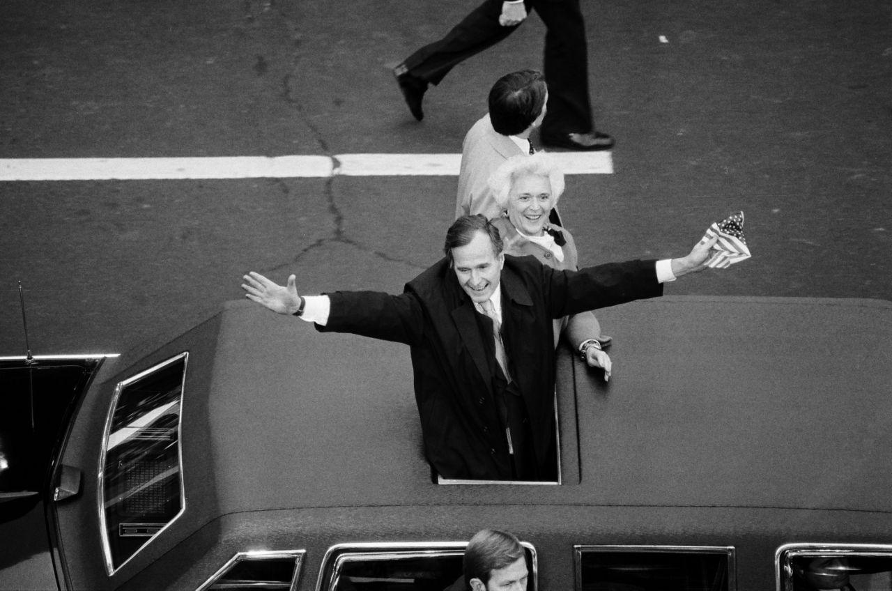 از کودکی تا مرگ «جرج بوش پدر» در قاب تصاویر