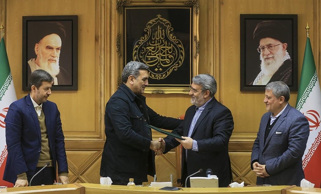 پشت پرده مکاتبات صورت گرفته برای صدور حکم شهردار تهران چه بود؟