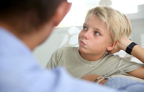 جملاتی که والدین باید از گفتن آن به کودکان اجتناب کنند/چگونه کودکی مستقل تربیت کنیم؟