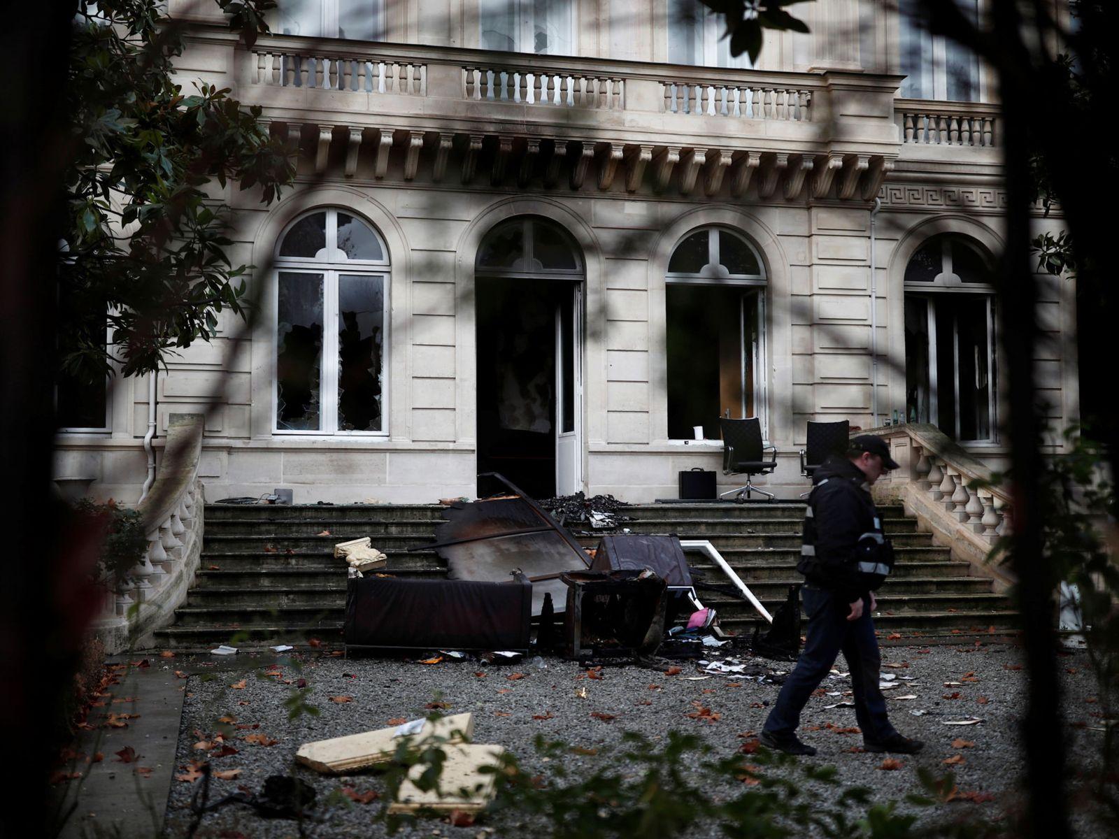 کاهش ۵۰ درصدی گردشگران در پاریس در پی آشوبهای اخیر فرانسه+تصاویر