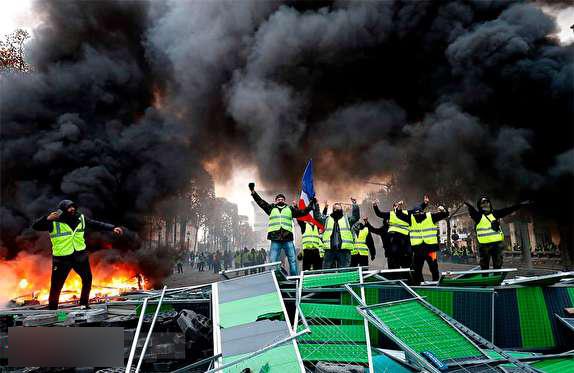 کارگزار رسانهای آشوب در ایران؛ حامی خشونت پلیس فرانسه /در صورت وقوع یک دهم اتفاقات فرانسه در کشور ما، واکنش رسانههای ضدانقلاب چه بود؟ +فیلم و تصاویر