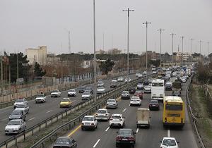 ترافیک در آزادراه کرج-تهران نیمه سنگین است/ بارش باران و برف در آذربایجان غربی و چهارمحال و بختیاری