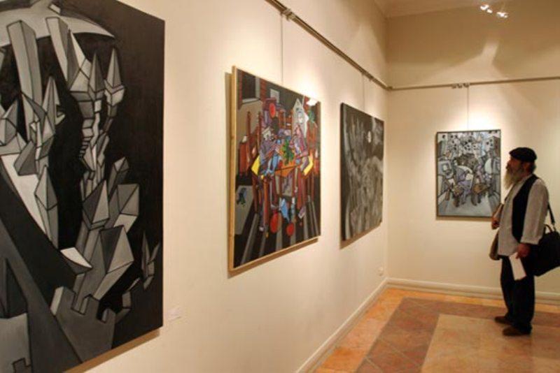 برپایی نمایشگاه نقاشی به نفع زلزله زدگان کرمانشاه/ سومین سالانه عکس دانشجویان
