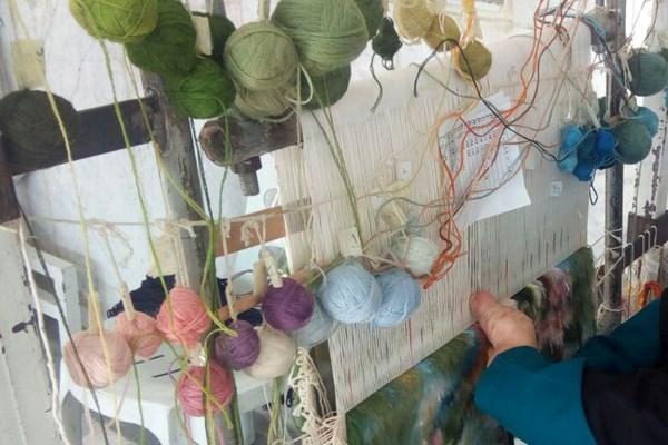 هنرنمایی، بدون انگشت روی دار قالی