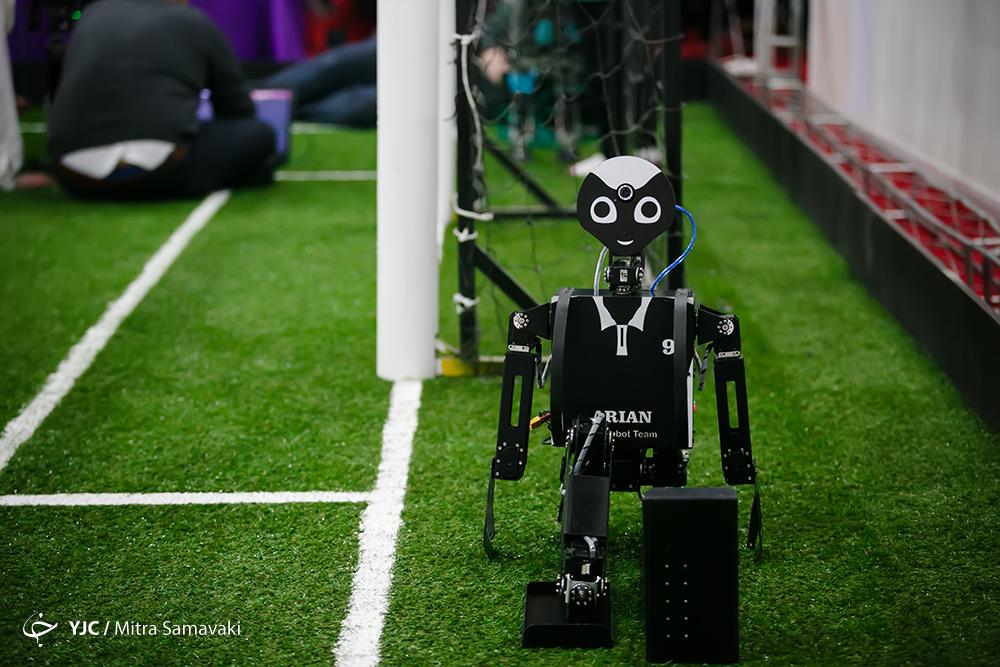 رباتهای جدید دانشگاه آزاد رونمایی شدند