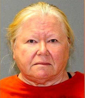 زنی که سگها را باشکنجه میکشت/اجساد فریز شده ۴۴ سگ در یخچال!