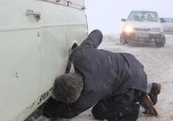 بیش از ۲۰ سانتیمتر برف در گردنه الماس خلخال و آلوارس سرعین بارید