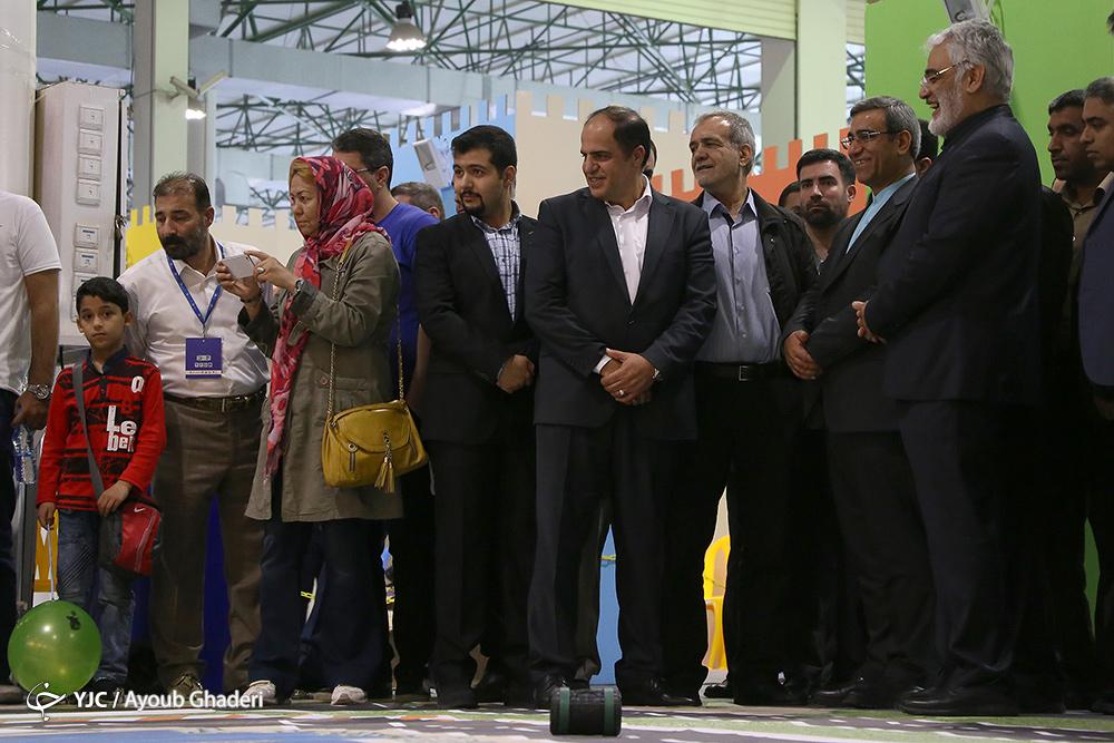 ایران سردمدار علم رباتیک در منطقه/ آیندهای که به دست جوانان و به کمک رباتها ساخته میشود