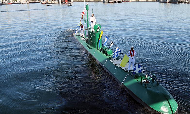 زیردریایی ایرانی که می تواند شناور هزار تُنی را ظرف ۱۰ ثانیه به اعماق دریا ببرد + تصاویر