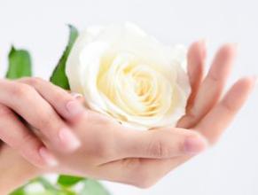 سلامت پوست دست و پا با درمانهای خانگی