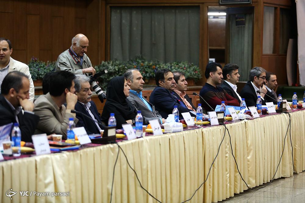 11 کاندید ریاست فدراسیون هندبال تایید صلاحیت شدند /// در حال ویرایش