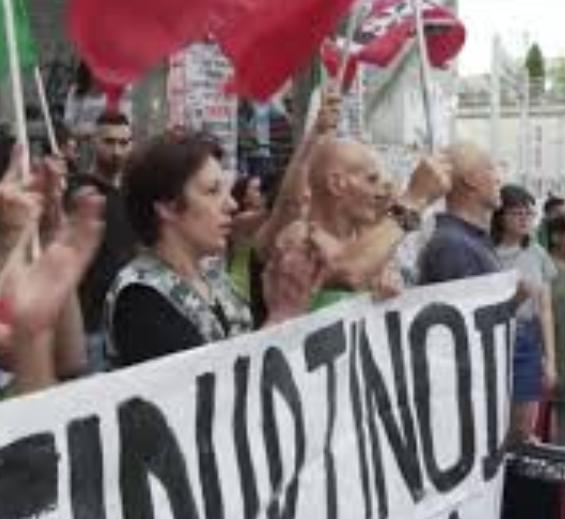 تجمع ضداروپایی و ضدمهاجرتی ایتالیاییها در رم