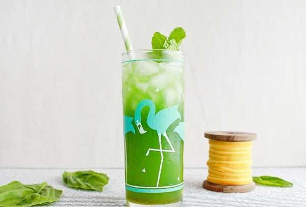 شربتی گیاهی برای رفع زخم دهان و گلو/ خانمها با این نوشیدنی سرطان سینه را دور بزنند