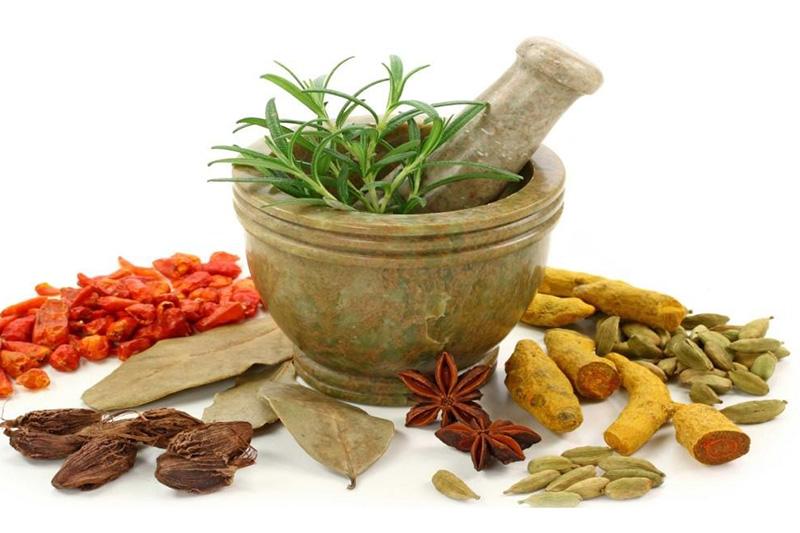 طبیب نماها و نوش داروهای زیانبار