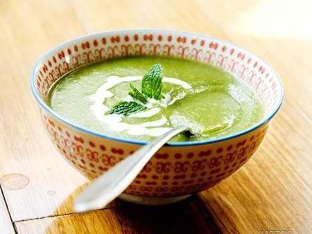 باشگاه خبرنگاران -طرز تهیه سوپ کاهو؛ یکی از محبوبترین سوپها