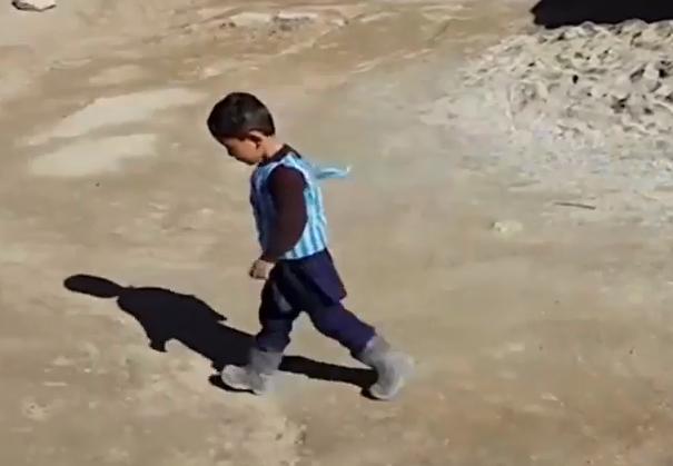کودک خردسالی که تروریستها برای سرش جایزه گذاشتند +تصاویر