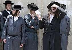 باشگاه خبرنگاران - امر به معروف خاخام یهودی با استفاده از سلاح سرد + فیلم