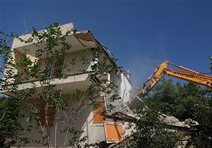 خانههای غیر مجاز در تالش تخریب شدند