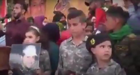 اشکهای جانسوز پسر شهید جمیل فقیه در نبود پدرش+فیلم